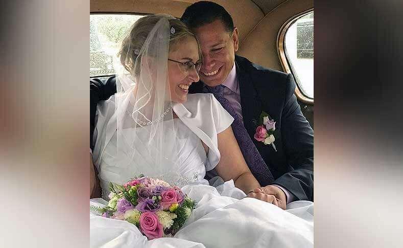 Hochzeit Ehepaar G.-G. Brautstrauß und Anstecker