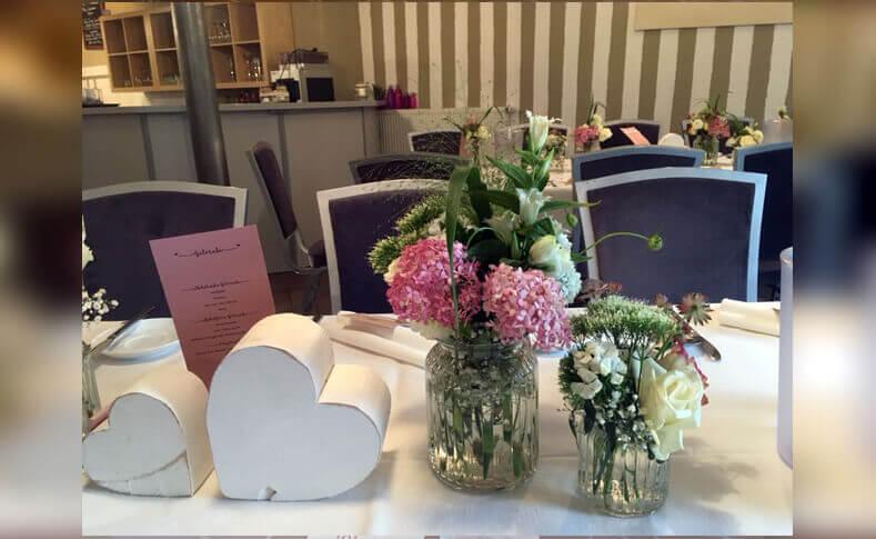 Tischdekorationen ... von Blumen Jentsch Beispiel 1