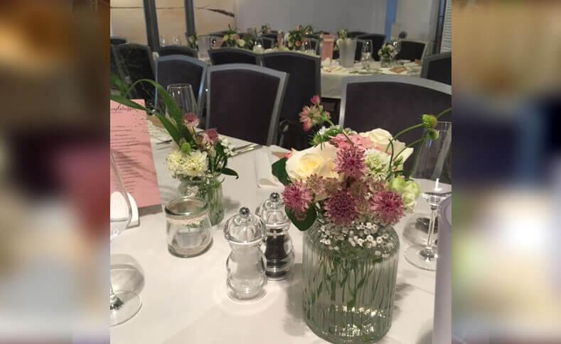Tischdekorationen ... von Blumen Jentsch Beispiel 2