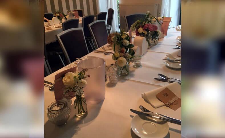 Tischdekorationen ... von Blumen Jentsch Beispiel 3