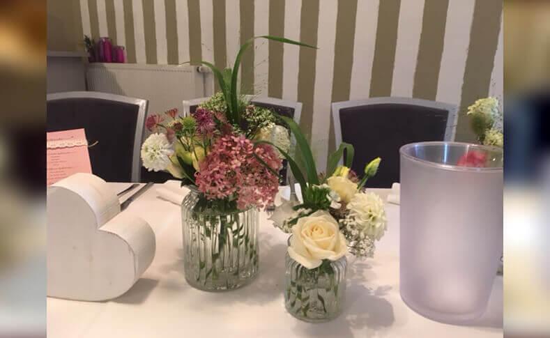 Tischdekorationen ... von Blumen Jentsch Beispiel 4