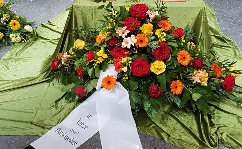 Trauerfloristik ... von Blumen Jentsch Beispiel 3