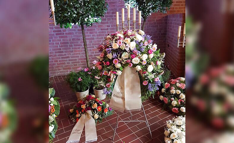 Trauerfloristik ... von Blumen Jentsch Beispiel 8